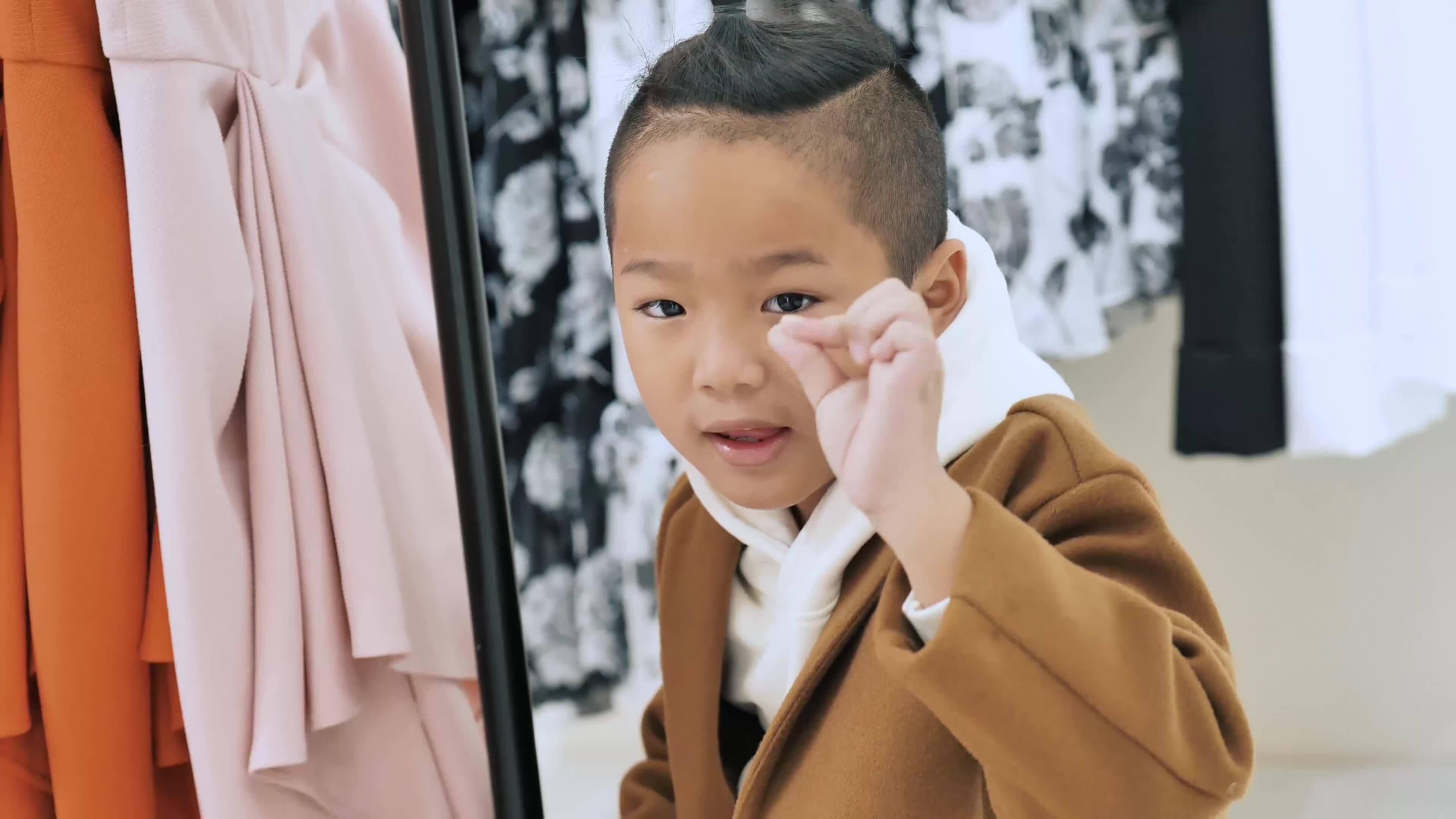 Bình Minh đưa vợ đi mua sắm ở quê nhà Lạng Sơn
