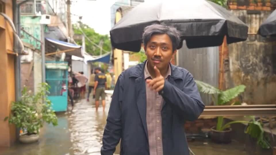 'Bố già' Trấn Thành dựng cảnh Sài Gòn ngập
