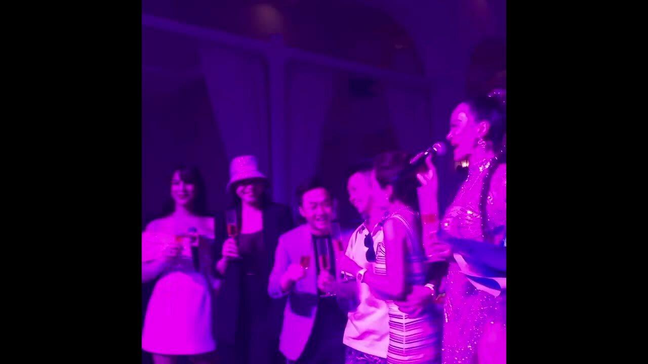 Vợ chồng Cường Đôla dự tiệc sinh nhật Minh Nhựa