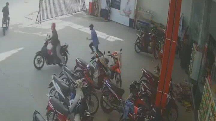 Băng trộm dàn 'ma trận' cướp xe trước mặt bảo vệ