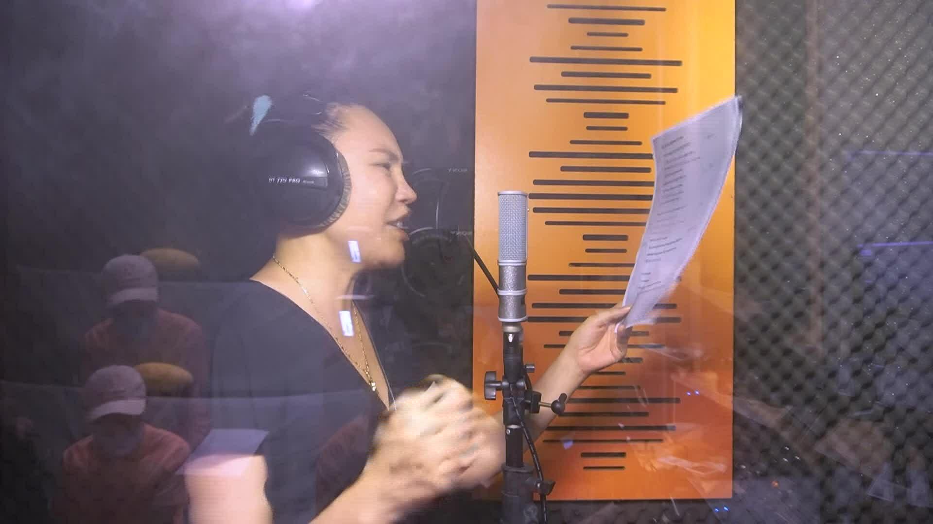 Dàn nghệ sĩ thu âm ca khúc chủ đề 'Ngôi Sao của năm'