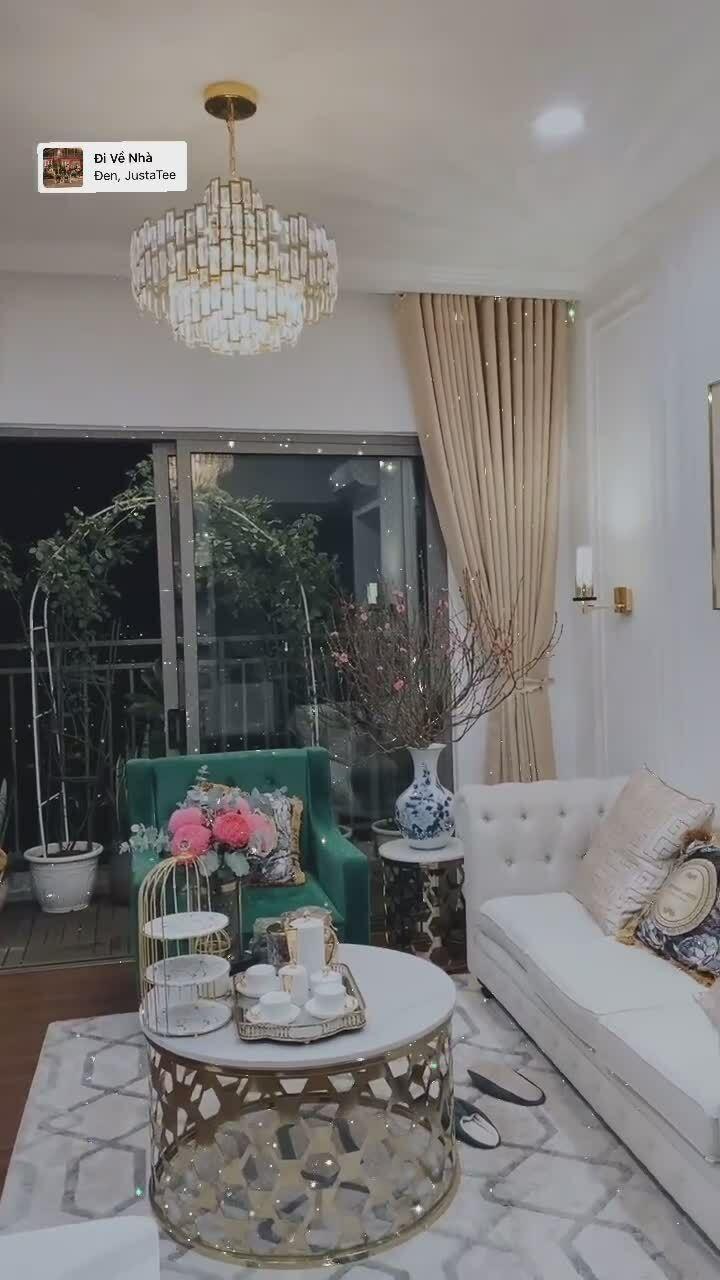 Huỳnh Hồng Loan dọn nhà đón Tết