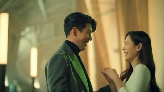 Son Ye Jin - Hyun Bin lần đầu lộ diện