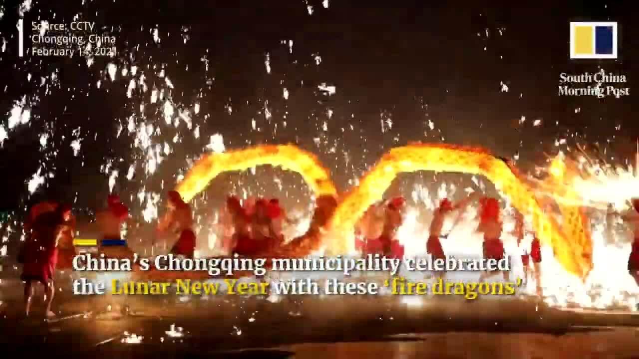 Điệu múa 'rồng lửa' đem may mắn ngày Tết ở Trung Quốc