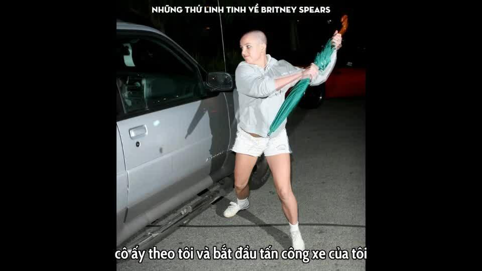 Britney Spears tấn công xe của tay săn ảnh