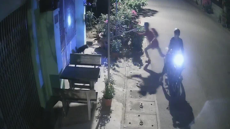 Cẩu tặc trộm chó trong 15 giây