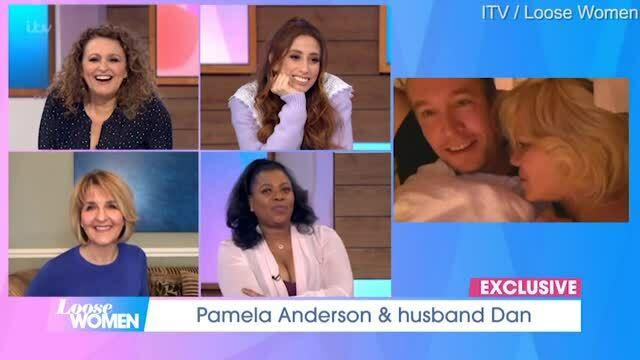 'Bom sex' Pamela Anderson viên mãn bên người chồng thứ năm