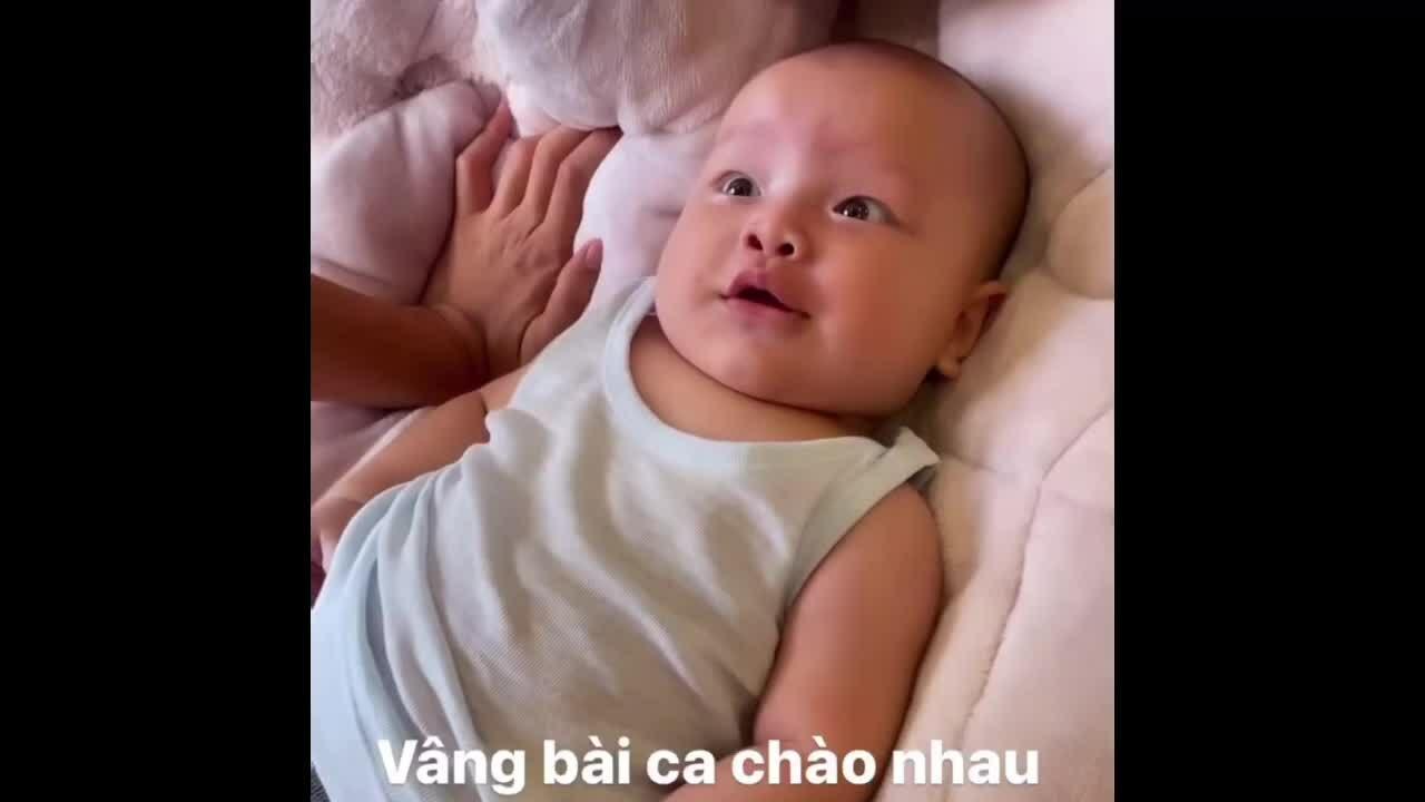 Leon - Lisa thích đùa giỡn với bố Kim Lý