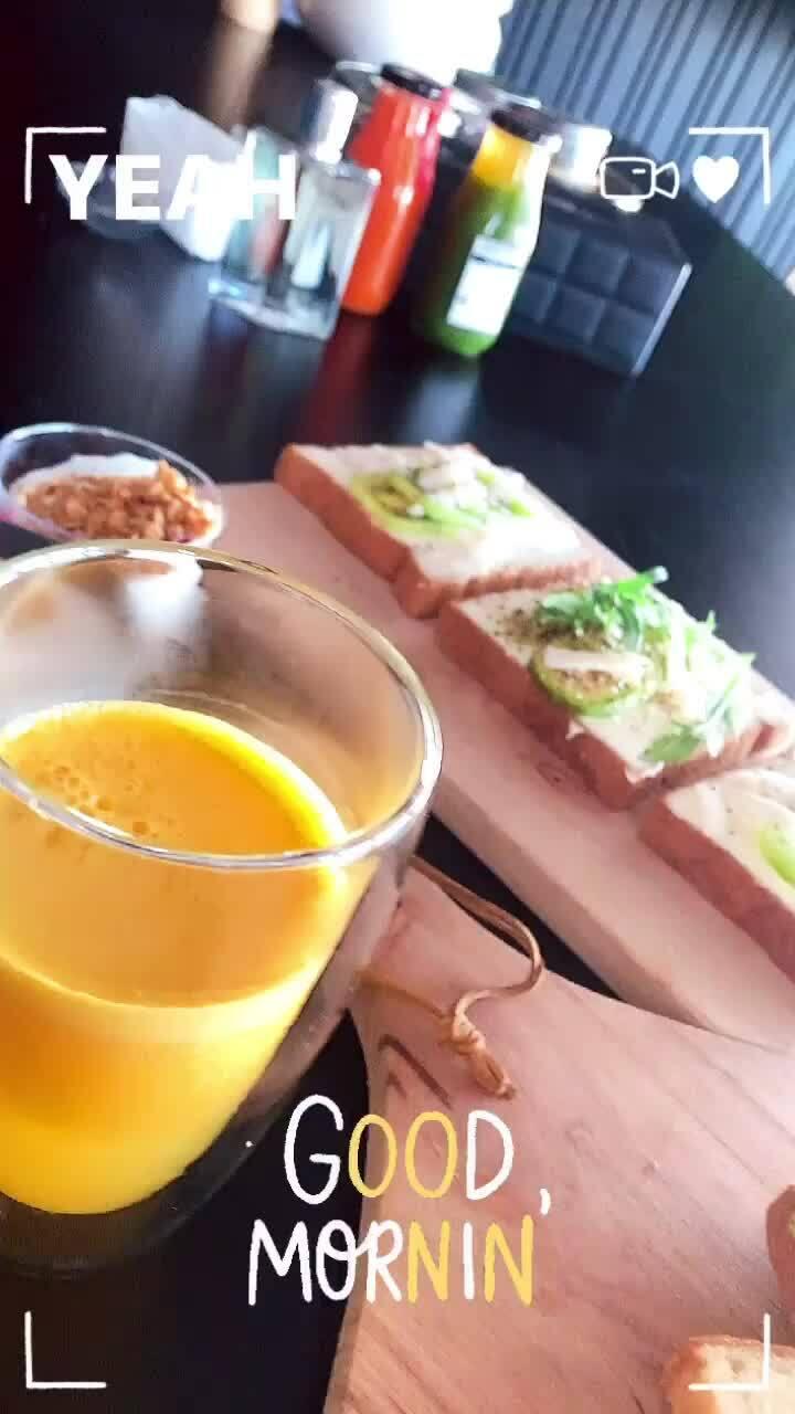Huy Trần chăm làm bữa sáng cho Ngô Thanh Vân