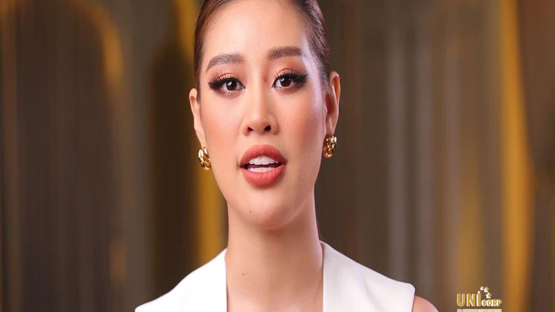 Khánh Vân diễn bikini
