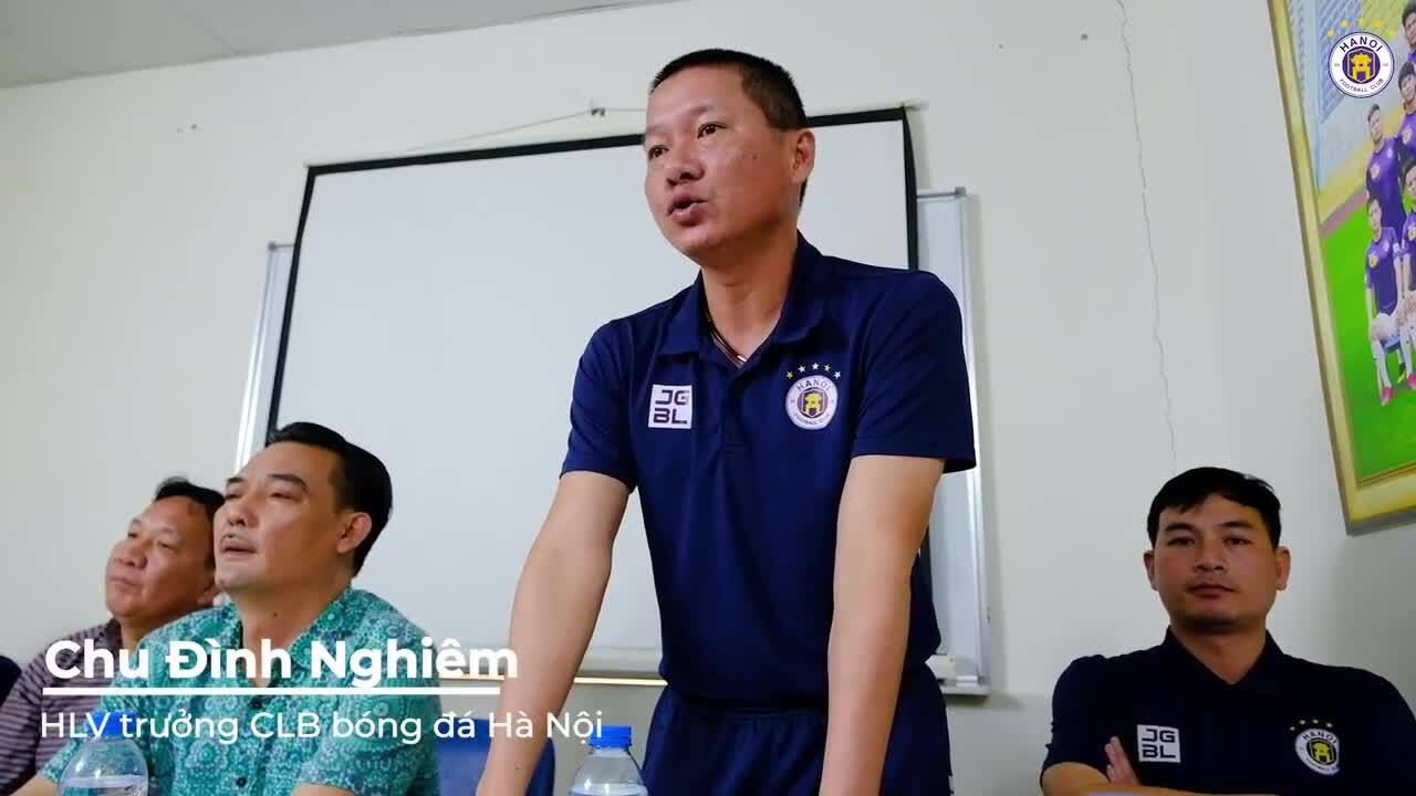 HLV Chu Đình Nghiêm rưng rưng nói lời chia tay CLB Hà Nội