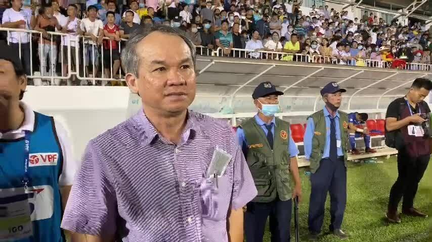 Bầu Đức mỉa mai Chủ tịch Than Quảng Ninh 'thua mà cười toe toét'