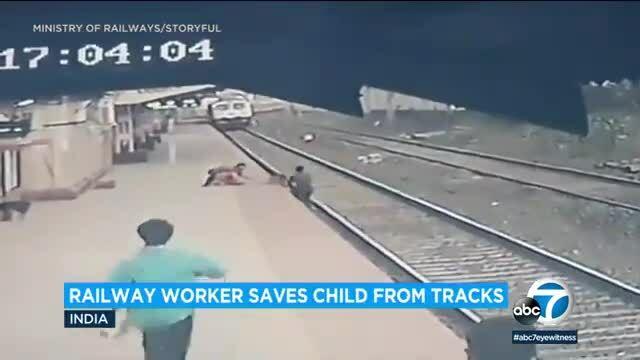 Nhân viên đường sắt cứu bé 6 tuổi khi tàu lao đến