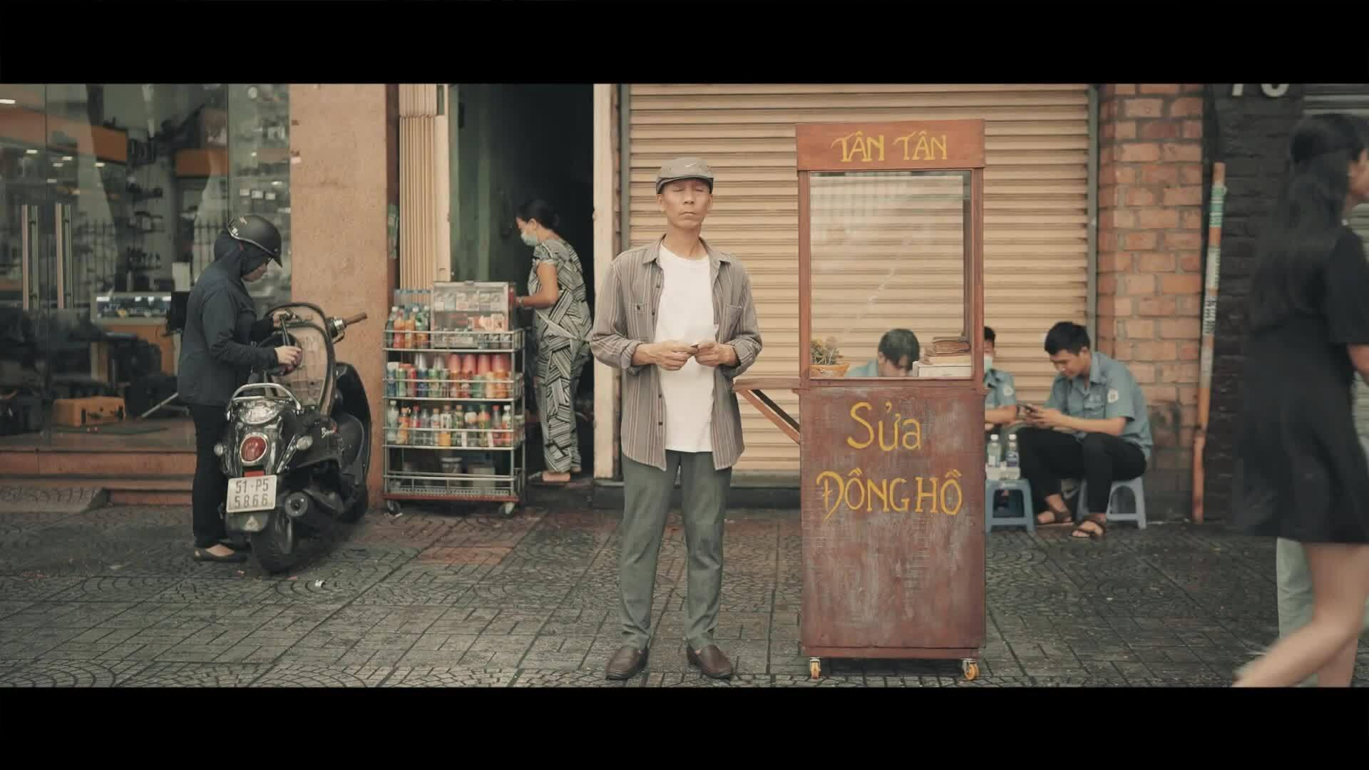 Nghệ sĩ saxophone Minh Tâm Bùi ra mắt MV 'Hoa nở không màu'