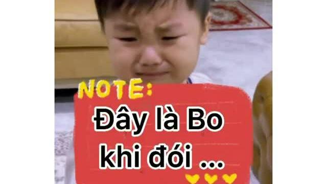 Con trai Hoà Minzy khóc váng nhà đòi ăn