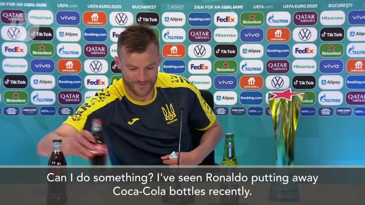 Tuyển thủ Ukraine 'xỉa đểu' C. Ronaldo