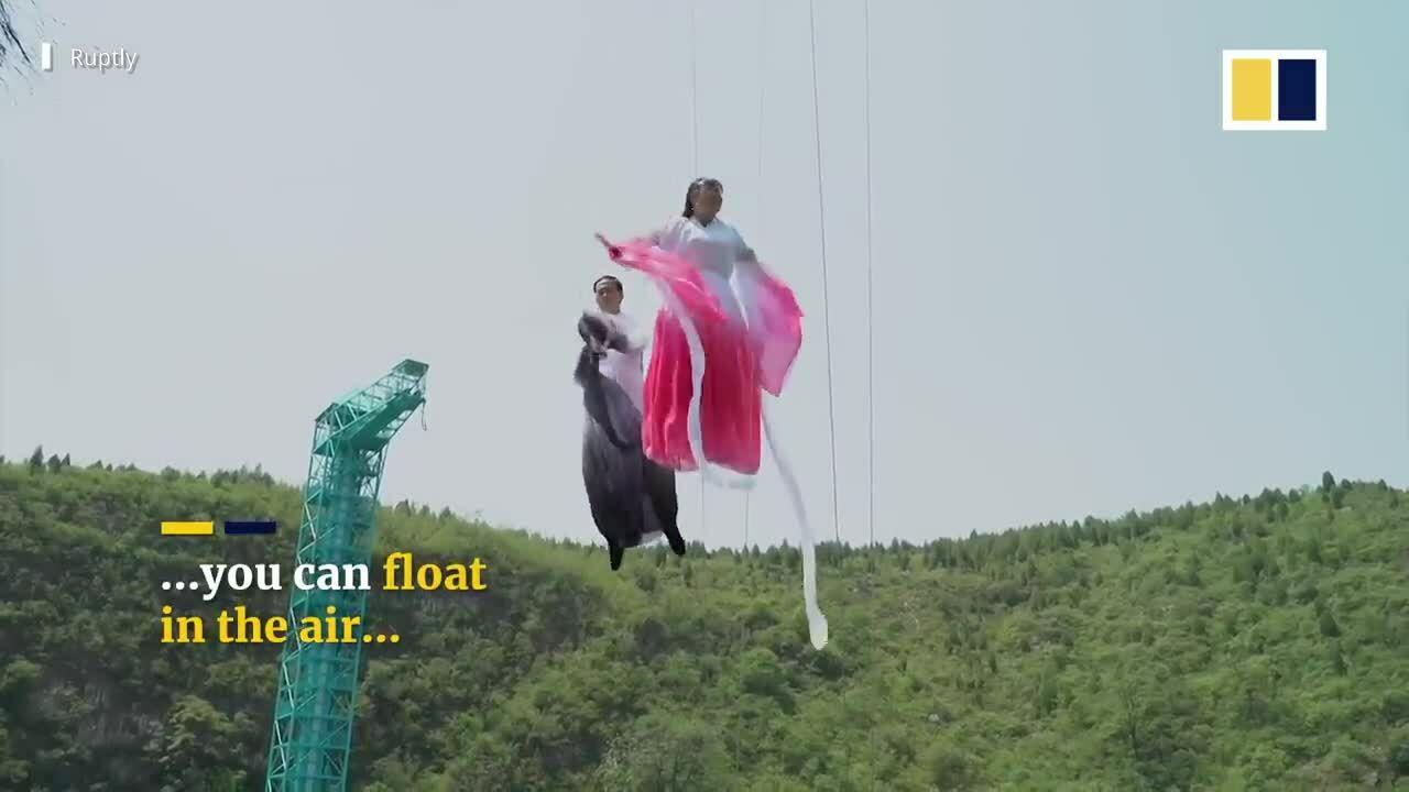 Khách Trung Quốc 'bay trên mặt nước'