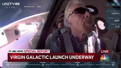 Vị tỷ phú đầu tiên bay vào vũ trụ
