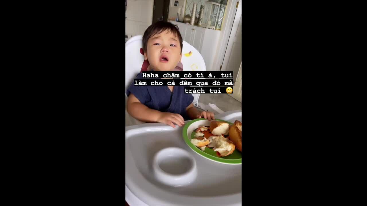 Con trai Hoà Minzy thèm phát khóc bánh mì mẹ làm