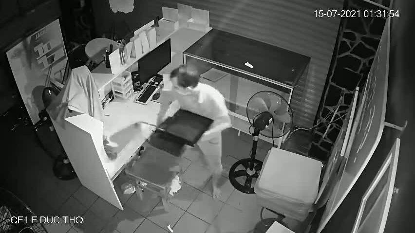 Quán cà phê hai lần bị trộm đột nhập trộm tài sản