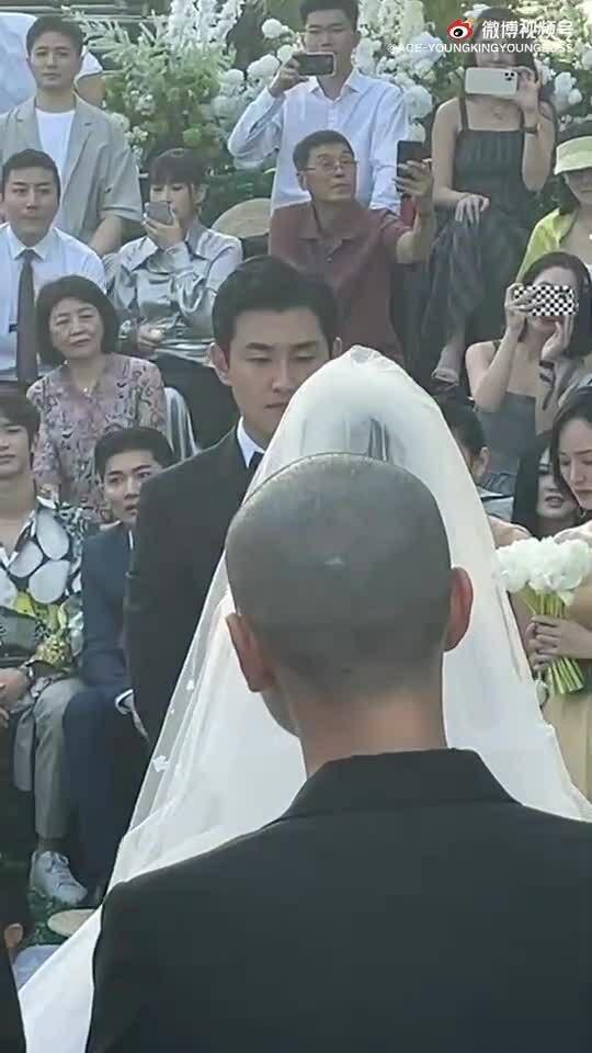 Vợ chồng sao 'Sở Kiều Truyện' trao lời thề nguyện