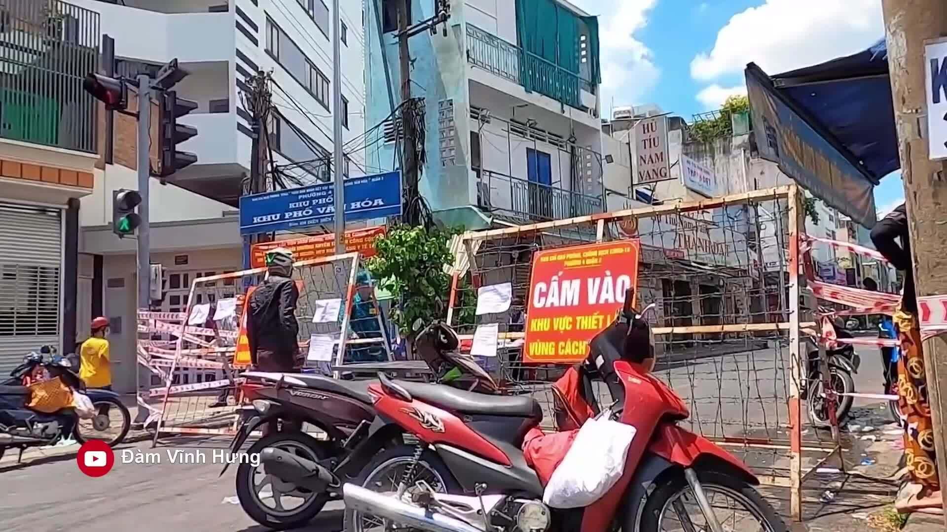 Đàm Vĩnh Hưng ủng hộ 5 tấn gạo cho người dân Sài Gòn