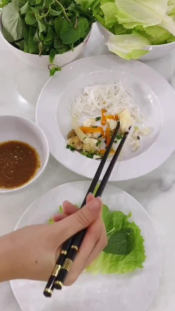 Nguyên tắc giữ 'bụng gầy' của MC Thanh Thanh Huyền