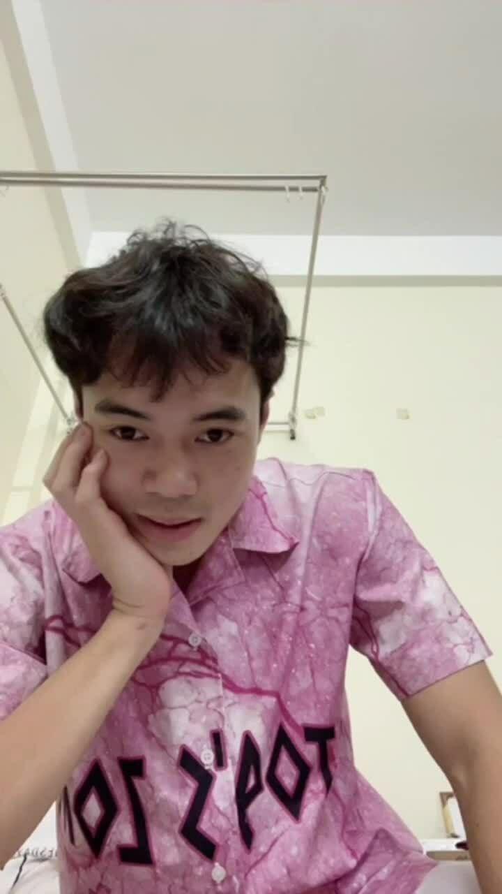 Văn Toàn quay clip 'lầy lội' đòi nợ Tiến Linh