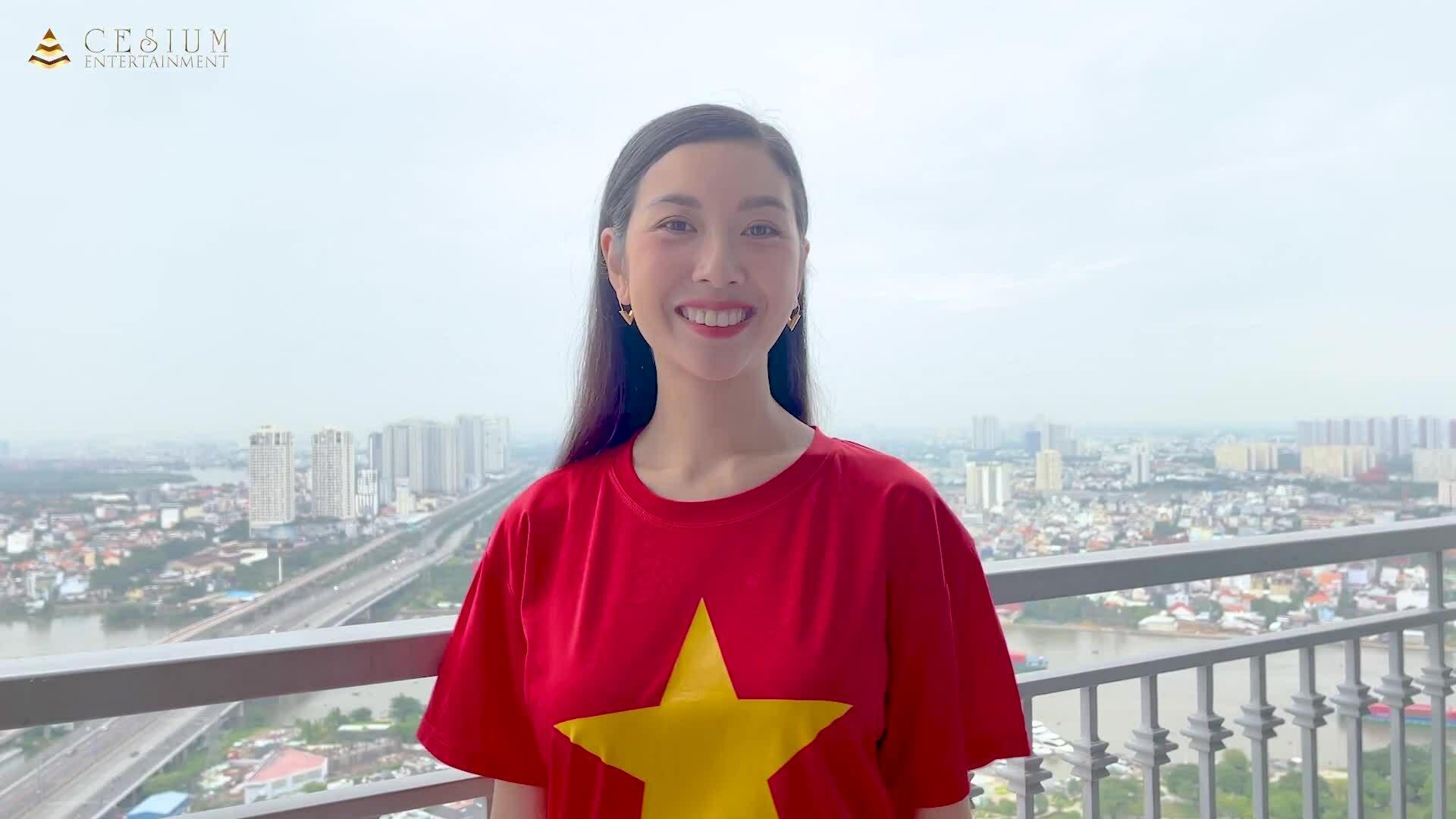 Á hậu Thúy Vân tự quay MV tại nhà trong mùa dịch