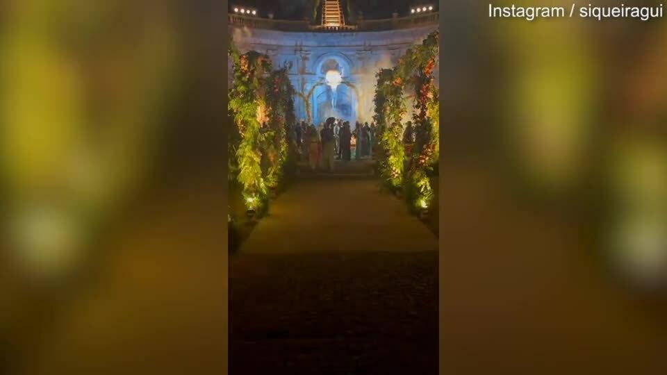 Cháu gái Diana hôn chồng tỷ phú trong tiệc cưới xa hoa ở lâu đài Italy