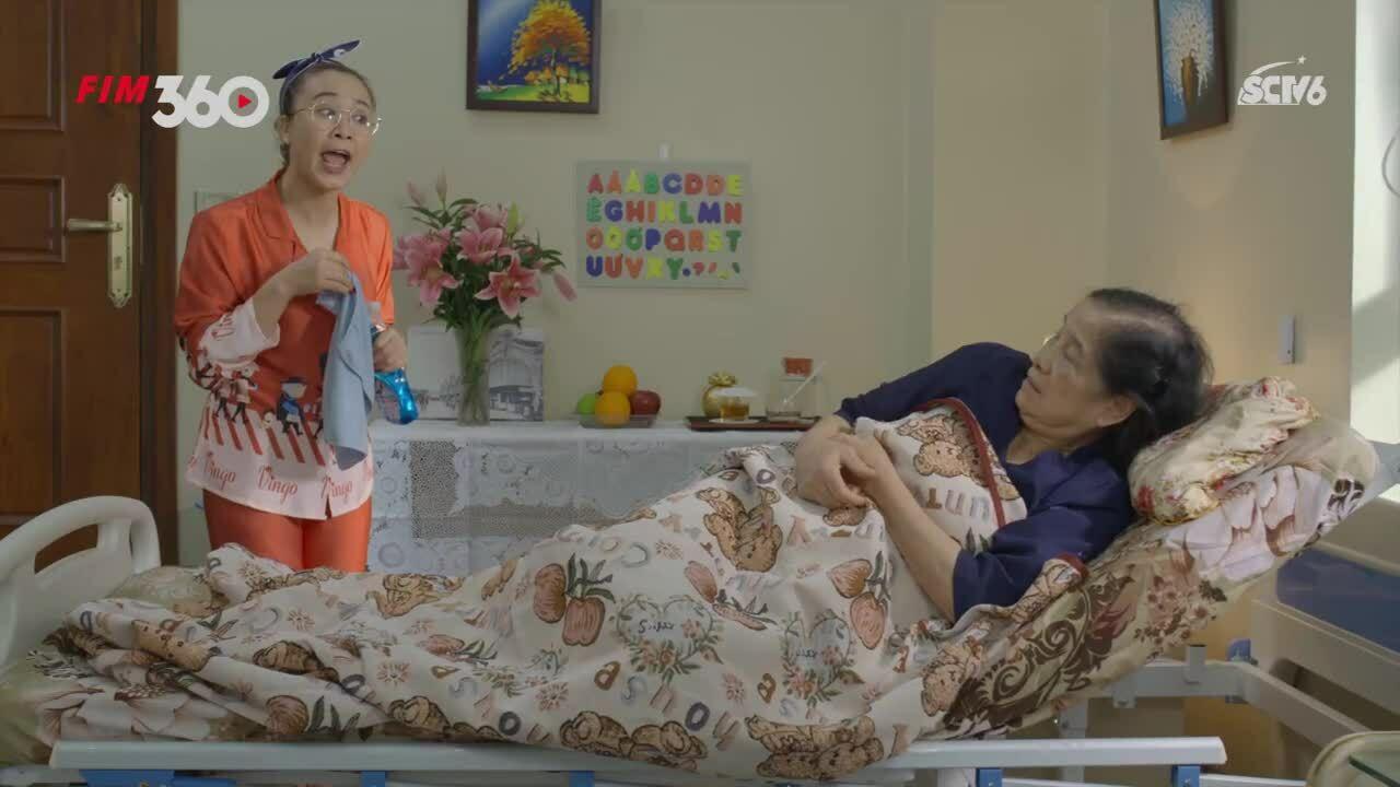Khánh Linh ám ảnh với vai 'trẻ không tha già không thương
