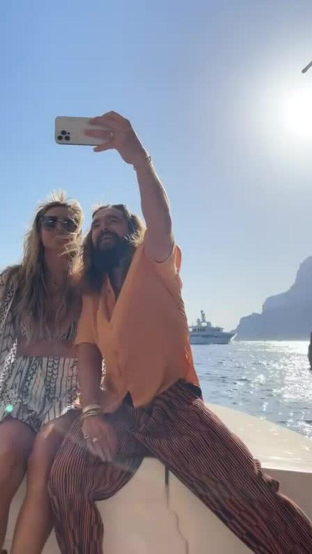 Heidi Klum đăng ảnh 'giường chiếu' với chồng kém 17 tuổi