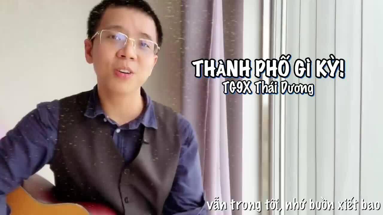 Thầy giáo 9X đàn hát về tình người Sài Gòn thời dịch