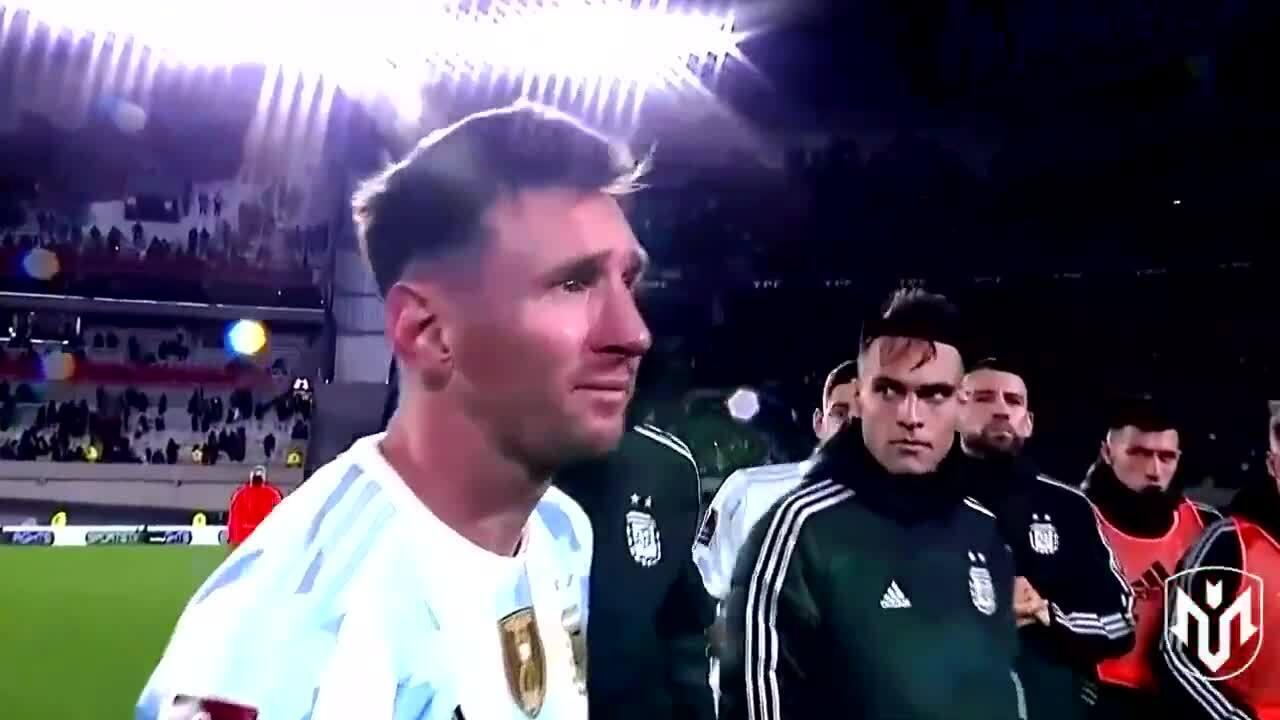 Messi khóc không ngừng trong lễ mừng công Copa America