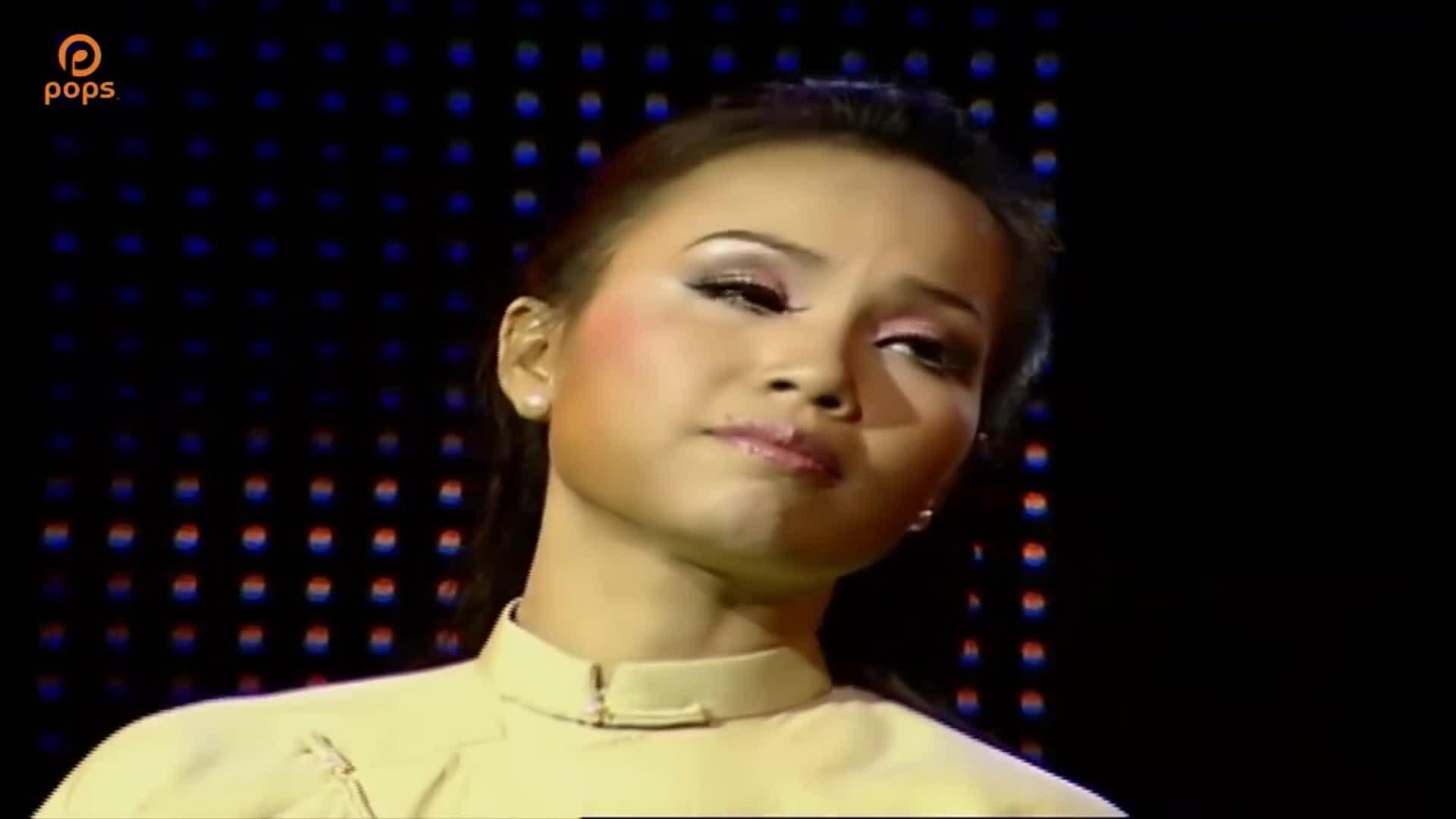 Cẩm Ly hát 'Chồng xa'