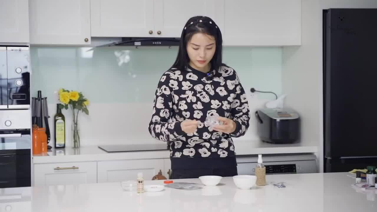 Kỳ Duyên tự chế son, phấn từ nguyên liệu nhà bếp