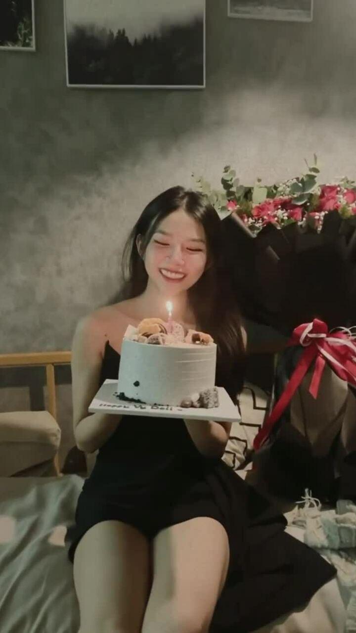 Phan Mạnh Quỳnh mừng sinh nhật vợ