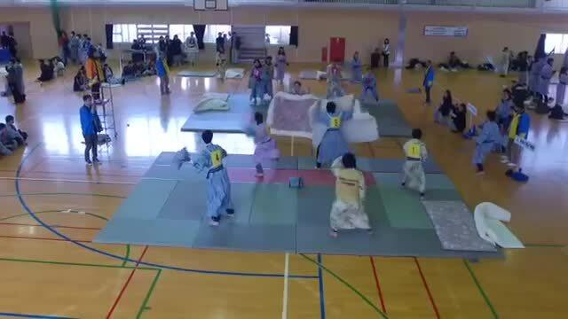 Ném gối - môn thể thao được ưa chuộng ở Nhật Bản