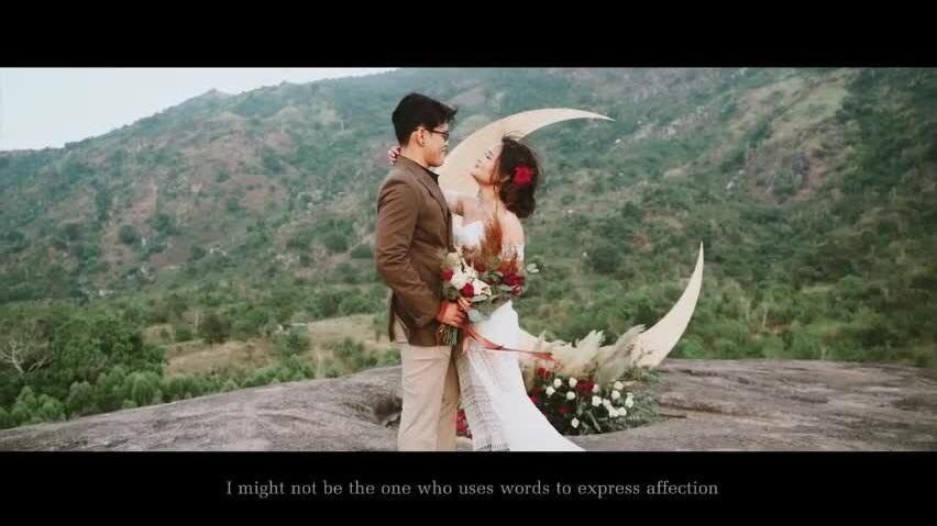 Đám cưới bí mật của cặp bơ nhau từ cái nhìn đầu tiên