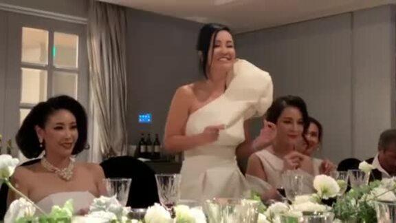 Hồng Nhung hát trong tiệc kỷ niệm ngày cưới Diễm My
