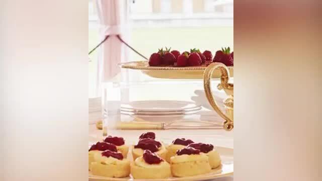 Nữ hoàng Elizabeth tuyển đầu bếp bánh ngọt