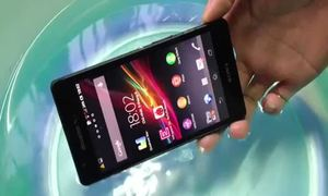 Video ngâm nước Sony Xperia ZR