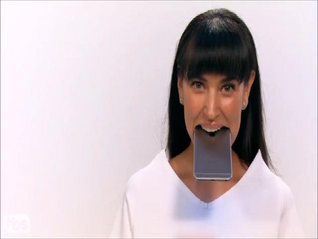 """Video hài hước """"đá xoáy"""" iPhone như là một thiết bị y tế"""