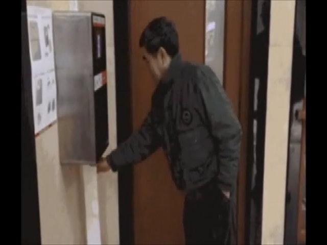 Chống trộm giấy vệ sinh bằng máy nhận dạng khuôn mặt