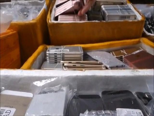Linh kiện được bán tại chợ trời ở Thẩm Quyến