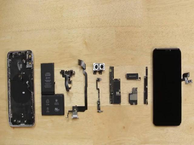 Linh kiện sản xuất iPhone X hết 357 USD
