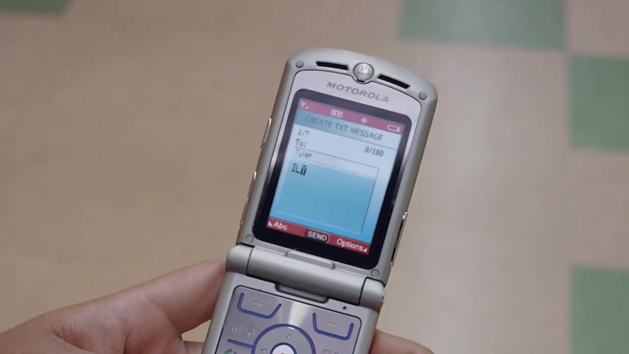 Motorola Razr sắp được 'hồi sinh'