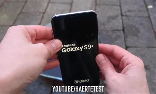 Tra tấn Galaxy S9 bằng dao, búa, thả rơi