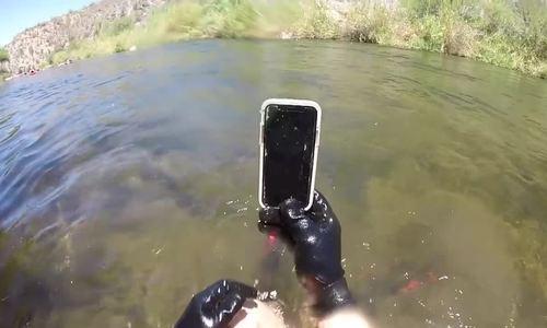 iPhone X sống sót sau hai tuần nằm dưới sông