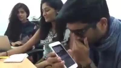 Nhóm sinh viên Ấn Độ thực hiện thử thách làm toán với Siri